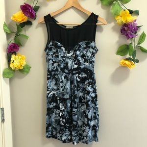 Nicolette Sweetheart Dress - Abstract Floral